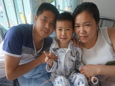 Smile Story - China - weichen with his family
